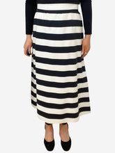 Load image into Gallery viewer, Black & white striped midi skirt - size IT 44