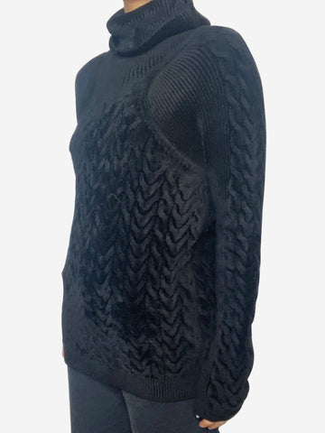 Black chunky cable knit sweater - size XS