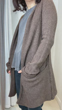 Load and play video in Gallery viewer, Brown longline open cardigan - size S