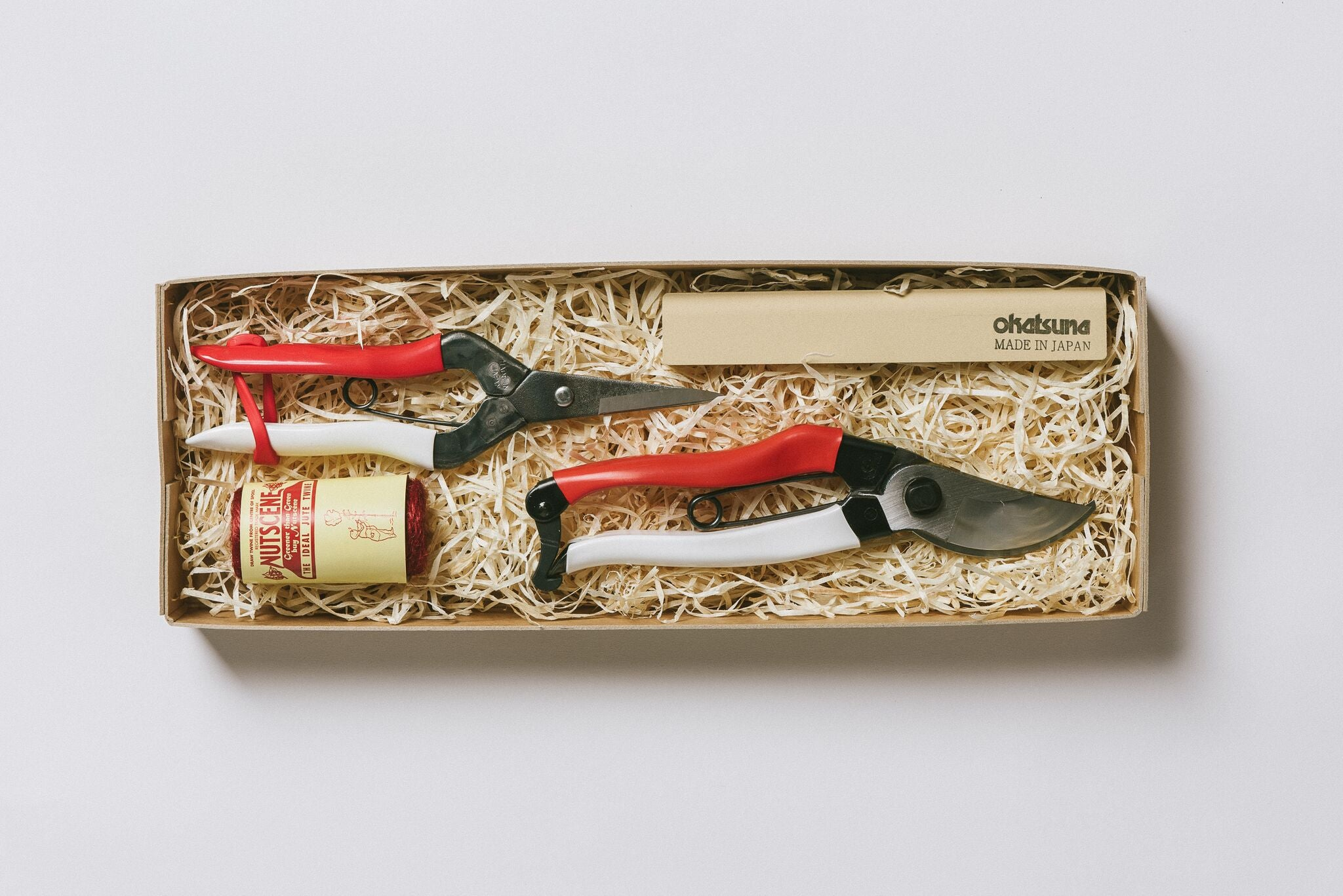 No. 8 Gardener's Gift Set - Secateurs, Snips, Twine and Whetstone