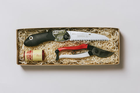 No. 9 Gardener's Gift Set - Secateurs, Pruning Saw and Twine