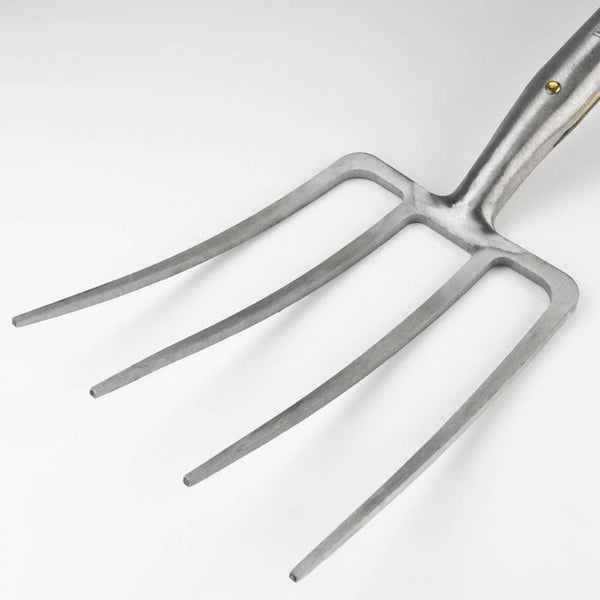 Close up of the tines of a Sneeboer pitchfork