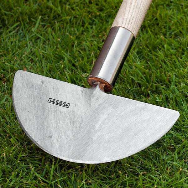Sneeboer edging iron with ash handle