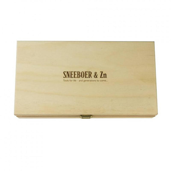 Sneeboer Tool Maintenance Kit in wooden box with lid closed