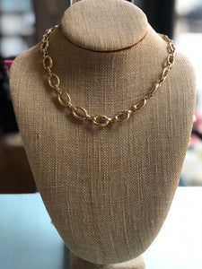 SIMPLE GOLD CHAIN STACKABLE NECKLACE