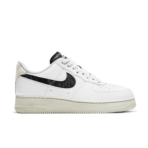 NIKE Air Force 1 '07 SE WHITE-WHITE-LIGHT BONE-BLACK DA6682-100