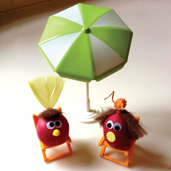 Radish characters with sun umbrella