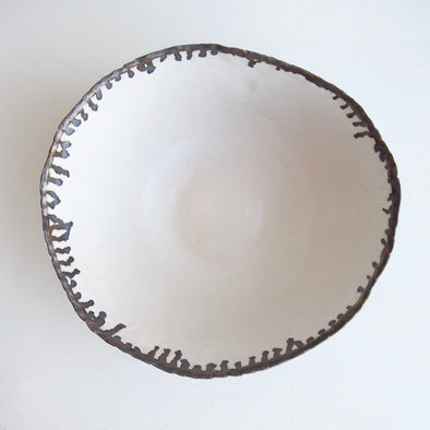 Satin white and gold ceramic fruit bowl