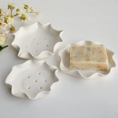 Handmade white gloss curvy curvy edge porcelain  ceramic soap dish