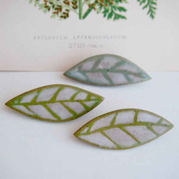 Leaf ceramic pin brooch