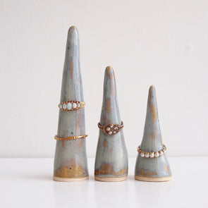 Blue/brown ceramic ring cones