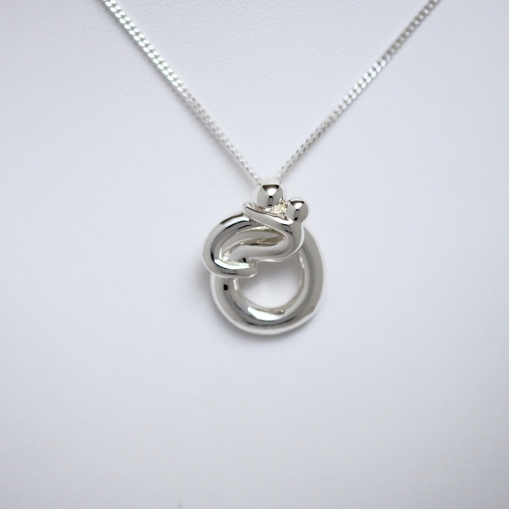 Parent & Child small pendant Line of Love Jewellery by Joseph Chiang