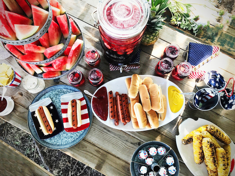 5 Steps to Your 4th of July Table Scape