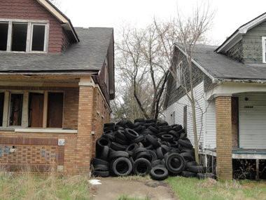 Tire Dumping in abandon houses in Detroit