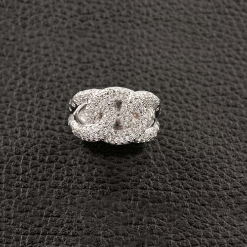 Interlocking Circles Diamond Ring