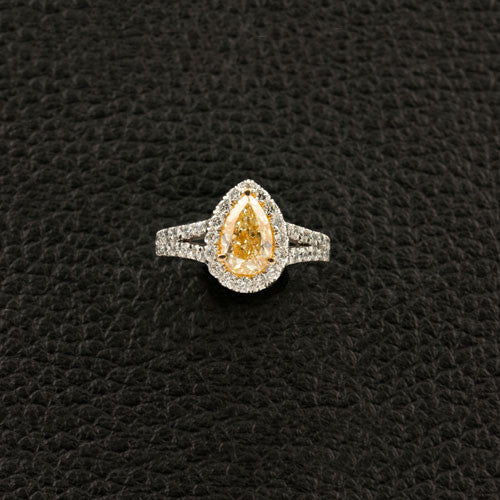 Pear shaped Diamond Engagement Ring with Halo