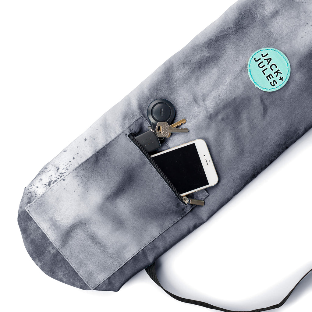 Pocket feature of Namaste yoga mat bag in southern sky grey