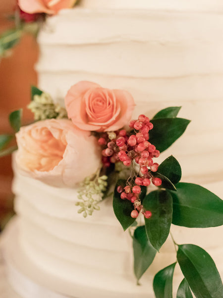 wedding cake flowers berries and pink english garden roses