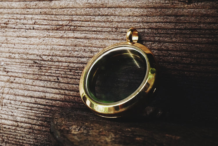 Small stainless steel gold locket