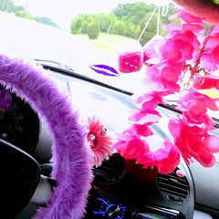 Lilac steering wheel cover in bug
