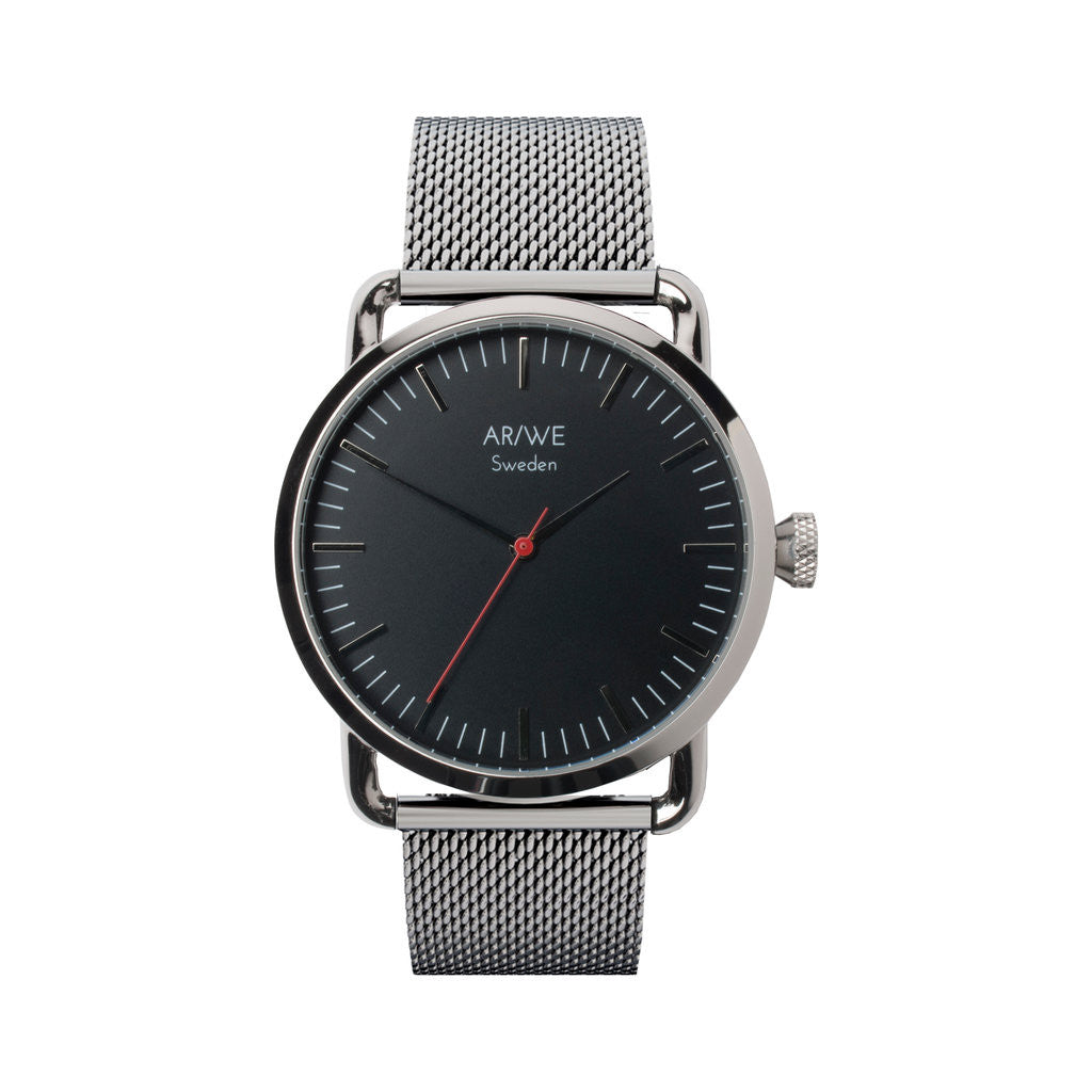 AR/WE Sweden (arweswe and arwe sweden) black watch with metal mesh strap. Simplistic and minimalistic watch from Sweden for both him and her.