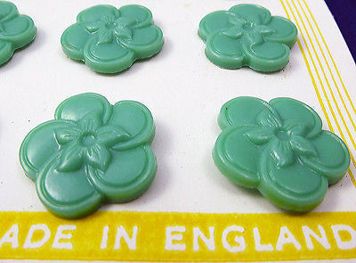 1940s English 1.8cm Green Catalin Vintage Flower Buttons -12 on Original Card