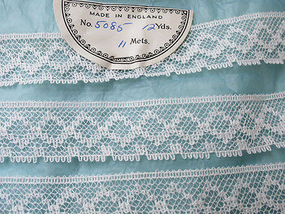 "12 Yds Lovely Vintage English 1""  White Lace Trim"