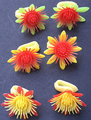 Wonderful 1960s plastic SUNFLOWER clip on Earings