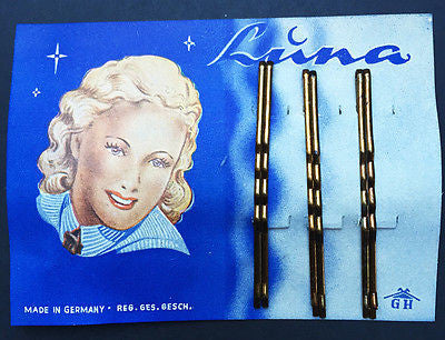 Attractive Vintage 1940s Display Card of 6cm Strong Waved Hair Pins