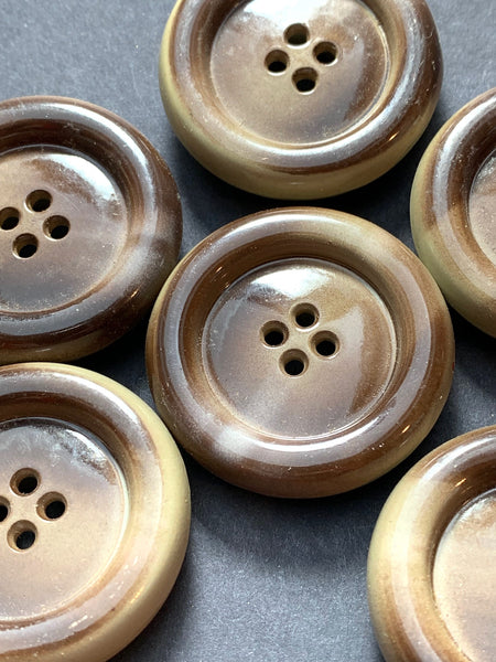 6 Comforting  Chunky 2.7cm Vintage Mottled Brown Buttons