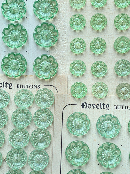 Fresh Lime Green Vintage Starburst Flower Buttons - Different sizes and quantities 1.2cm, 1.5cm, 1.8cm, 2cm