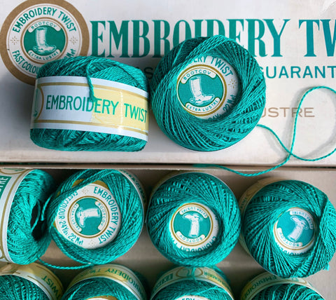 Vintage Green Extra Lustre Cotton Embroidery or Darning Thread 10 balls x 22m (32)