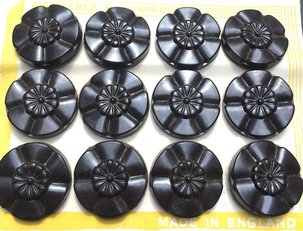 12 Vintage 1940s Made in England Bakelite Flower Buttons - Choice of colours and sizes