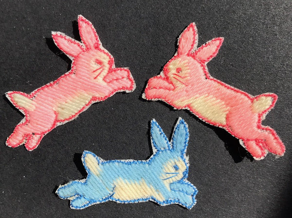 Little Jumping Rabbit ..Vintage 4cm Applique