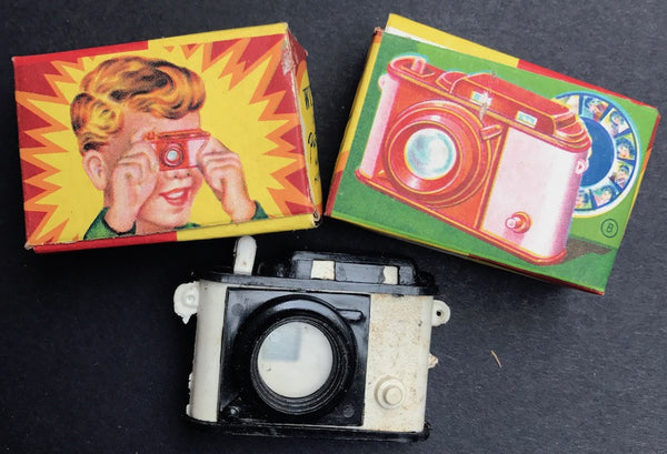 1950s Boxed 5cm Plastic Camera 16 Pic Slide Show  - Made in Hong Kong