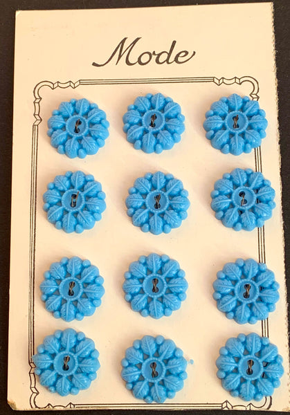 12 Powder Blue Leafy Garland Vintage 1.8cm Buttons on Original Shop Card