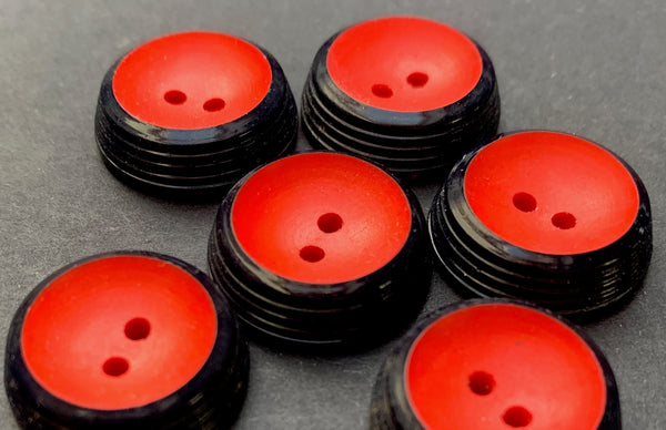 6 Statuesque Vintage 1.7cm Dark Blue and Red Italian Buttons