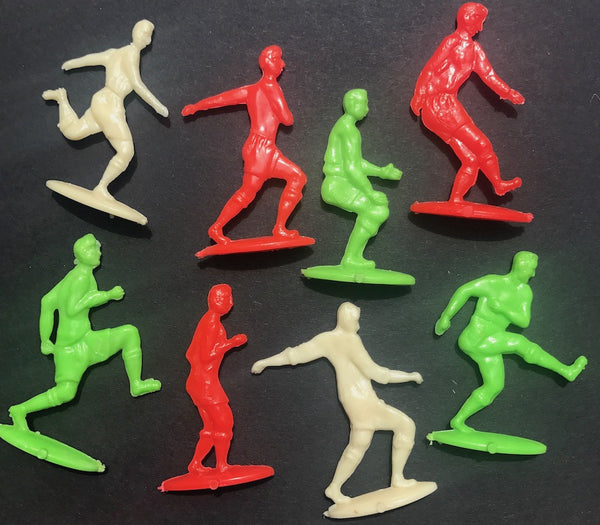 Wonderfull 1950s Footballers - 8 Different Figures - 6cm tall