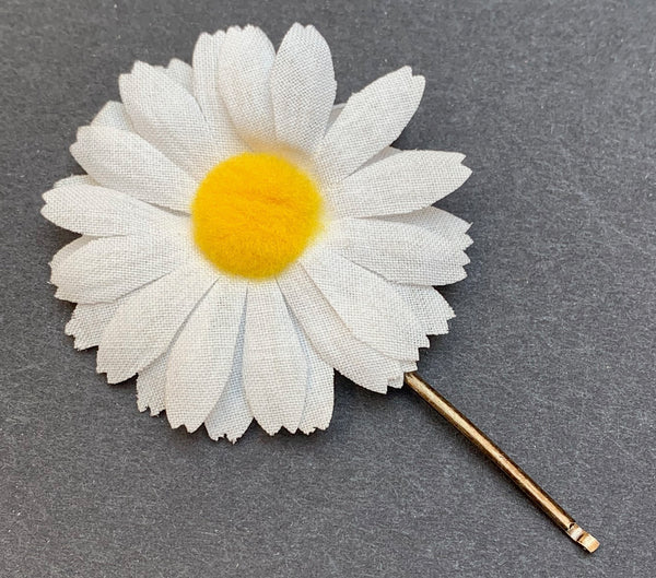 Wonderful 1960s Fabric Daisy Hairclips