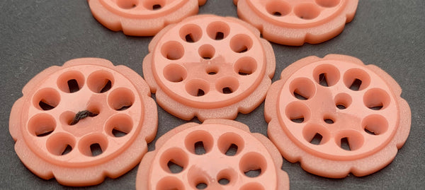 6 Crepe Pink 1.7cm and 2.2cm Vintage French  Buttons