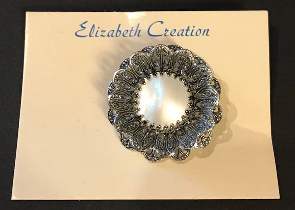 Alluring Vintage 1940s Filigree and Mother of Pearl Brooch on Original Card.