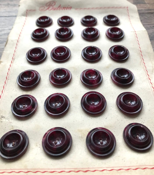 24 Marbled Blackcurrant Coloured Italian Buttons- 2.2cm