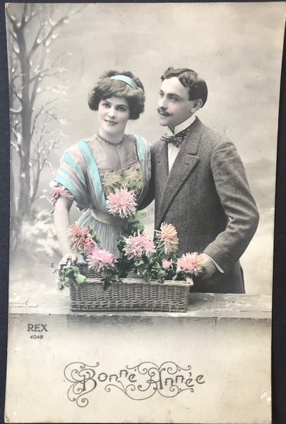 Fresh Faced French 1900s New Year Greetings Postcard