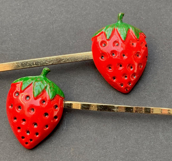 Big Juicy Vintage Enamel Strawberry Hair Grip