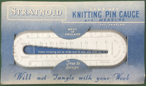 1940s Made in ENGLAND Knitting Pin Gauge and Measure on original STRATNOID Packaging