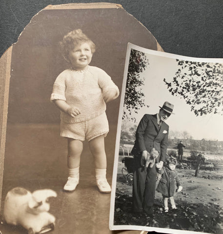 2 Old Photos of Children and Toys (25)
