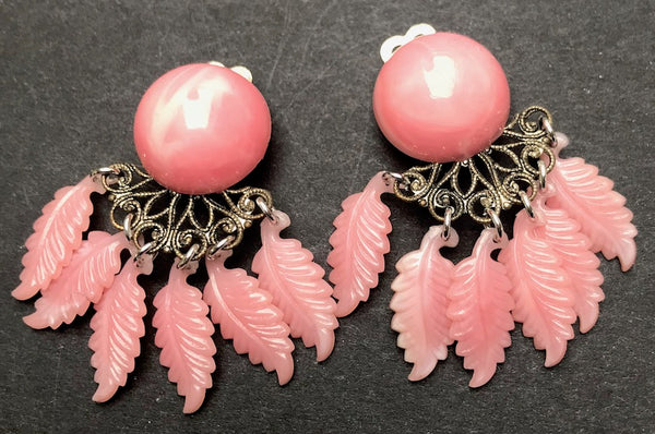 Sweet Little Vintage Clip On Feather Earrings The Swagmans Daughter