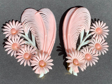 Pretty Pink and White Feathers and Flowers 1950s Clip-On Earrings