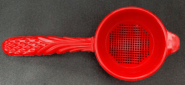 Wonderfully Ornate 1940s Plastic Strainer on Original Packaging