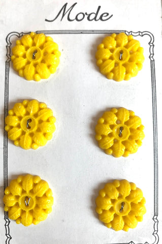 Wonderfully Leafy Vintage Yellow 2.2cm Buttons - 6 on Original Shop Card